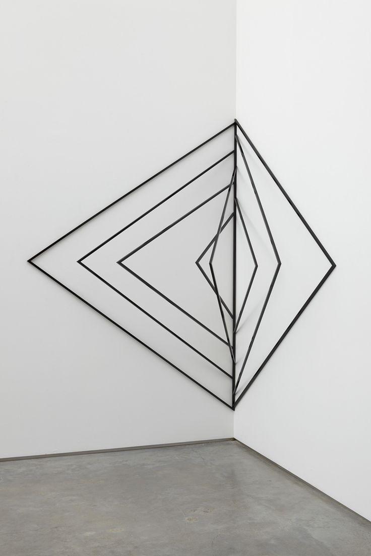 Eva Rothschild, Empty Page, 2009, powder coated aluminium, 200 x 140 x 125 cm / 78 3/4 x 55 1/8 x 49 1/4 ins, (MA-ROTHE-00226)