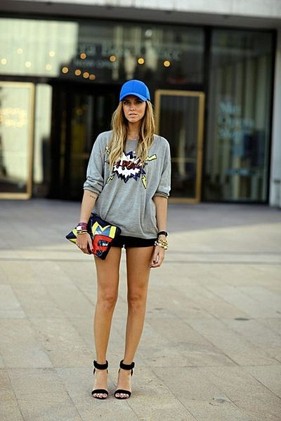 折角、スポーティーなファッションをするなら、 ネイルだってス...
