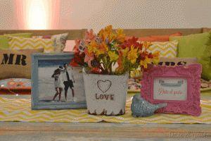 Jornadas Casamientos Online 2013 Centro de mesa con objetos deco y marcos Para presupuestos consultar a dateelgustoeventos@gmail.com