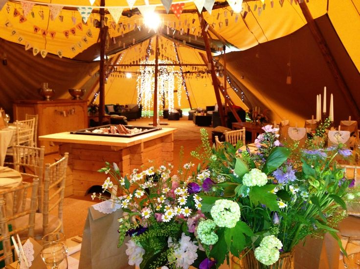 Relaxed tipi style at Crogen Estate