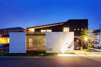 エクステリア&ガーデニング「ザ・シーズン」は、全国でハイクオリティなエクステリア・ガーデンを演出する設計・施工の専門ショップです。外構工事、庭(ガーデン)のリフォームなど、お気軽にご相談ください。施工例も豊富にご用意しております。