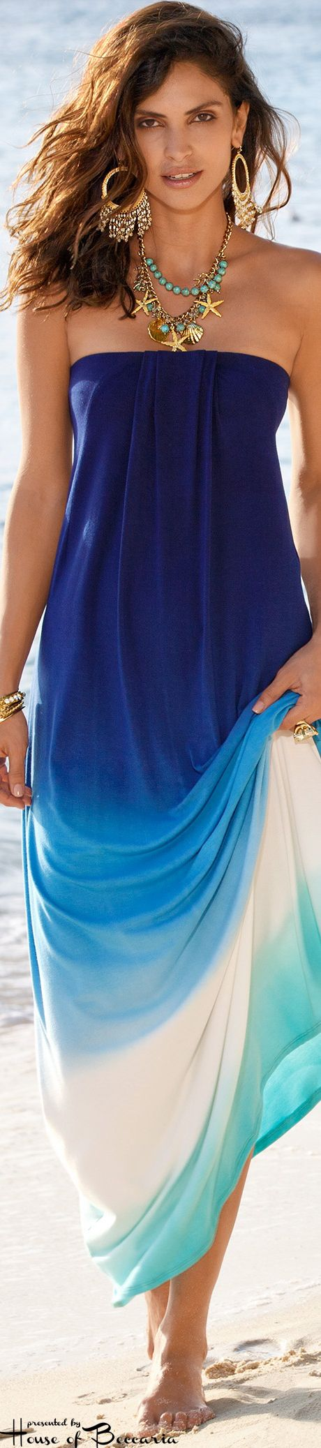 The perfect blue beach outfit to make a statement on Anna Maria Island.