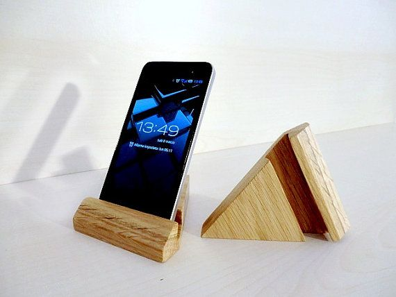 Wooden iPhone docking station, in oak fully handmade in Italy, iphone holder for office and home
