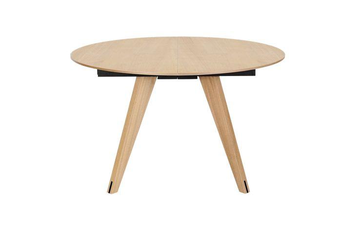 Mood-serien inneholder spisebord, sofabord og sjenk, som alle kan fås i nøye utvalgte tresorter og laminatfarger. Serien er…