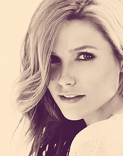 love Sophia Bush