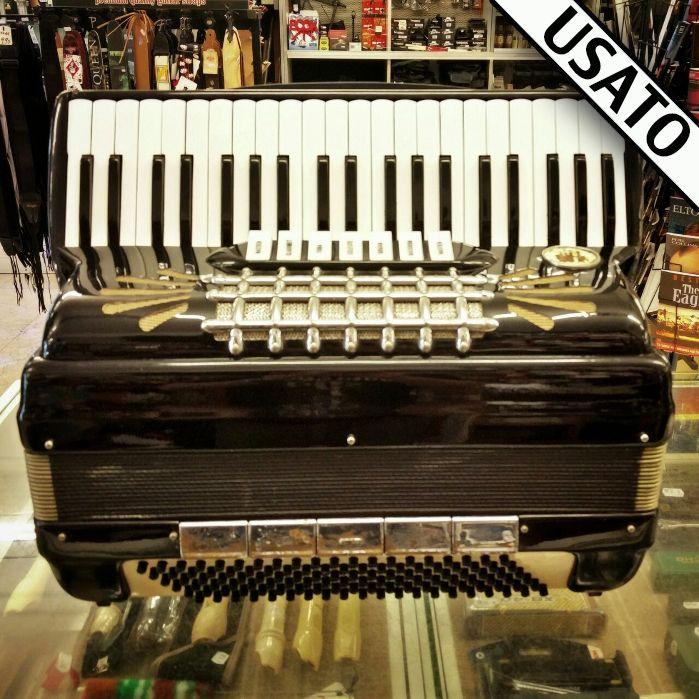 Fisarmonica La Sonora Castelfidardo usata in garanzia. 1 voce in cassotto, 120 bassi, voci in 4a e 5a, registri 7+5.