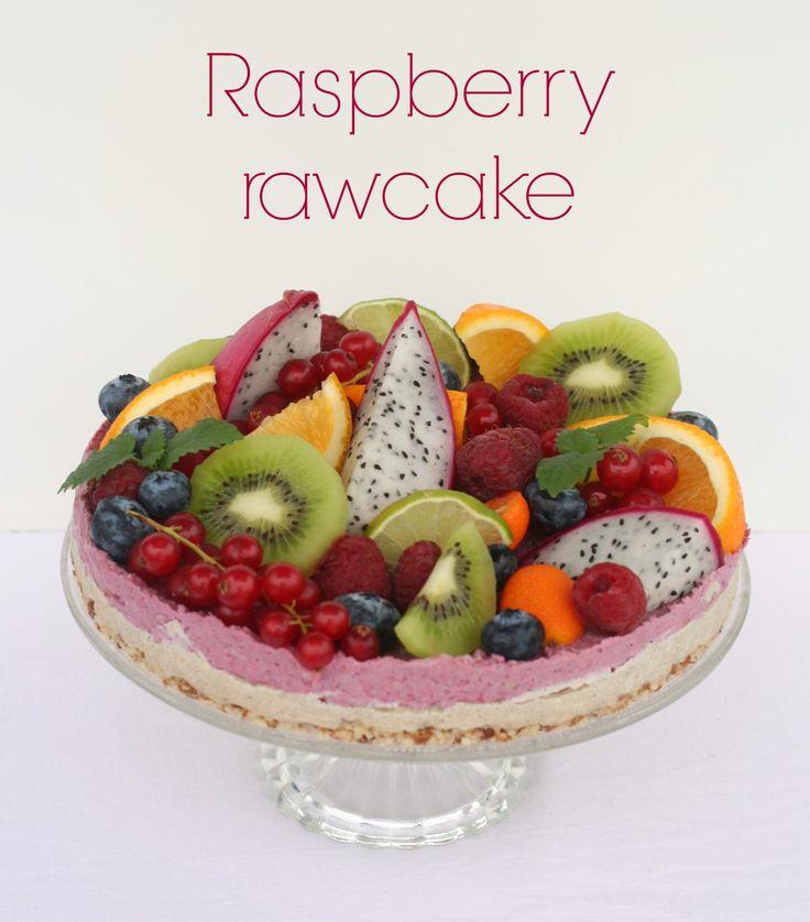 Raspberry rawcake