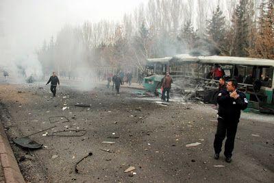 Paralia News- (Breaking News): Έκρηξη λεωφορείου στην Τουρκία