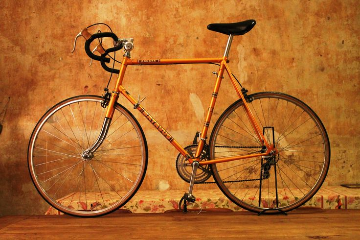 My bike for L'Eroica 2013? Relatvely simple equiped, but very nice dutch bike!