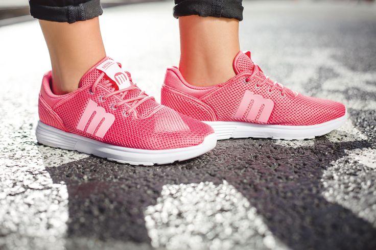 La forma más cool de llevar zapatillas sin pisar un gimnasio. ¡Ideales para este verano!
