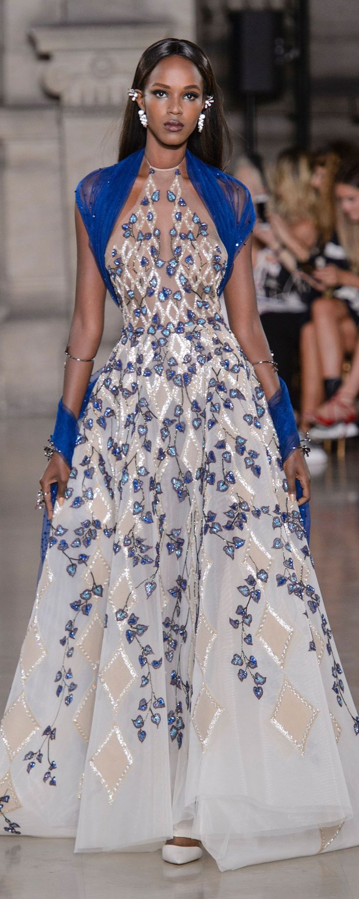 Georges Hobeika Autunno-Inverno 2017-2018 - Alta moda - http://it.orientpalms.com/Georges-Hobeika-6801 -   ©ImaxTree