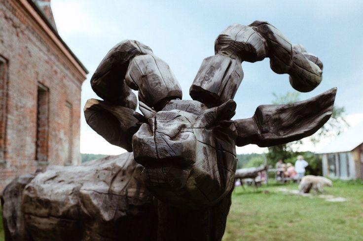 В прошлую субботу мы наконец-то добрались до арт-парка Никола-Ленивец в Калужской области (200 км от Москвы). Если вы тоже планируете посетить это место (или слышите о нём впервые), вот вам много фотографий для настроения и немного текста, который, надеюсь, окажется полезным. Что это вообще такое?…