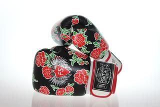 """Fashion meets Fighting with Infightstyle """"Roses"""" Muay Thai Boxing Gloves - multi layered foam for the ultimate shock absorption while punching - made from high quality genuine leather - 100% handcraft"""