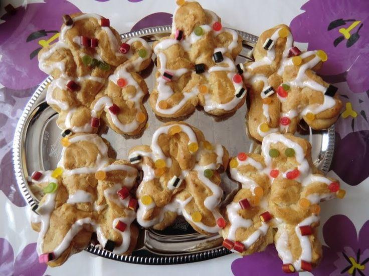 Små fødselsdags kagekoner og kagemænd.