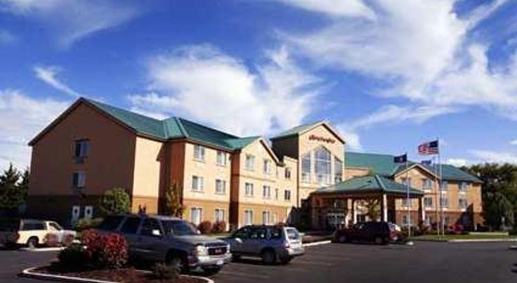 Hampton Inn Salt Lake City Central Salt Lake City Salt Lake City International Airport is 10 km from this hotel in Utah. The hotel offers an indoor pool and gym while guest rooms provide free Wi-Fi.  At the Hampton Inn Salt Lake City Central, each room includes a coffee maker.