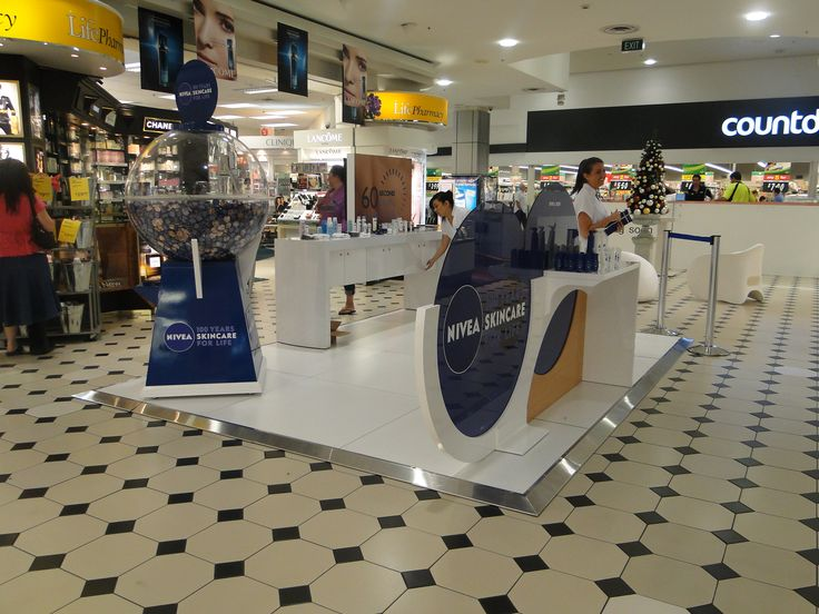 Nivea Mall Display