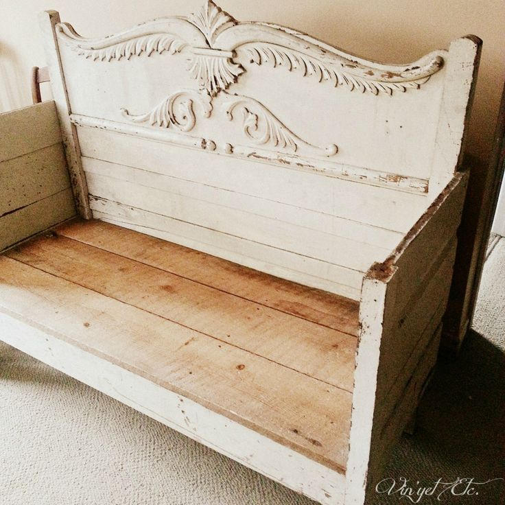 HeadBoardBench | Vin'yet Etc.  http://www.vinyetetc.ca/antique-headboard-bench-new-seat-diy/