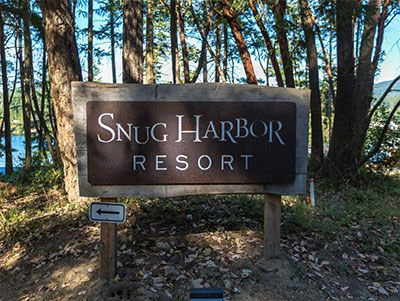 Snug Harbor Resort | One of the best! Includes a full kitchenette and complimentary bikes and kayaks.