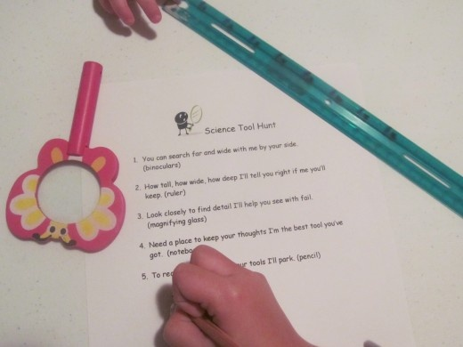 Lesson Plans: A Back to School Mystery  A fun way to introduce your students to the areas, expectations and schedule of your classroom!  http://thebookmom.hubpages.com/hub/Lesson-Plans-A-Back-to-School-Mystery