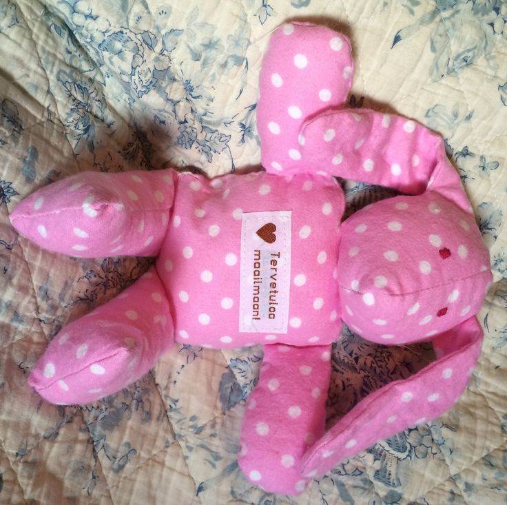 Vaaleanpunainen Tervetuloa Maailmaan pupu, Leonora