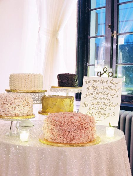 If you can't pick just one #weddingcake, why not have an assortment of cakes? I Elle Ellinghaus Designs