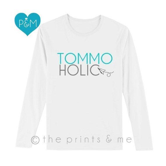 Louis Tomlinson Tommoholic Long Sleeve Shirt by ThePrintsandMeShop