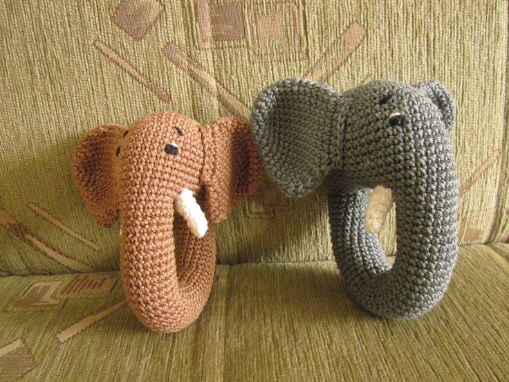 Háčkované řehtačky - sloníci