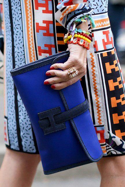 Street Style | Hermes clutch