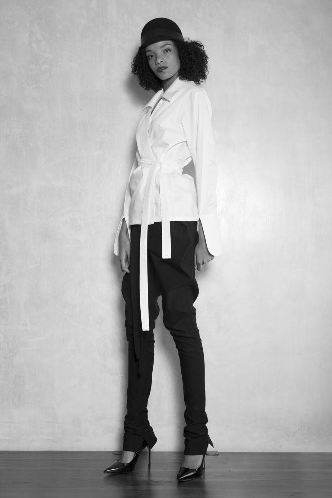 Aimmea | Moody fashion #Darkfashion #Moodyfashion #Highwaistwrappants #Avantgarde #Whitewrapblouse #Skinnylegwrappants #Wrappants www.aimmea.com
