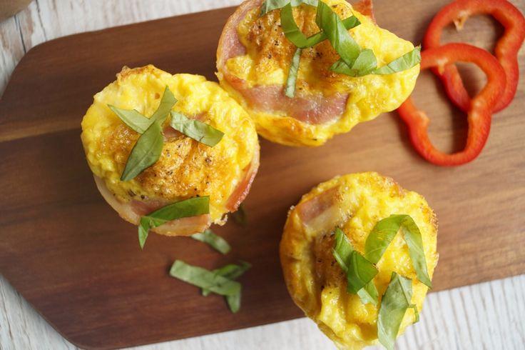 Æggemuffins med bacon - nem og sund morgenmad.