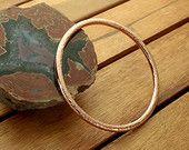 Kupfer Armreif, gehämmerter Amreif, rustikaler Armreif, geschlossener Armreif, glänzender Armreif, Kupferarmband -  6,5 cm