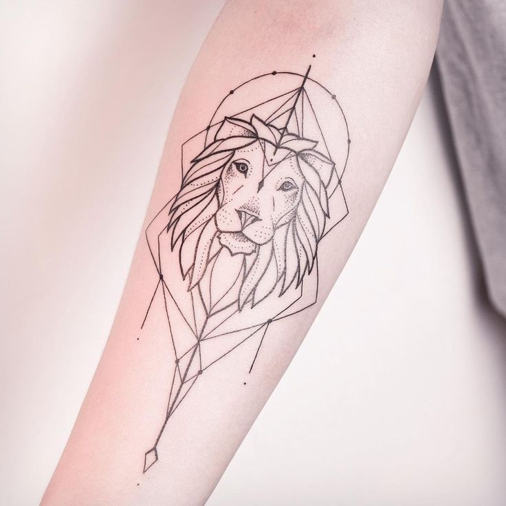 Still in love with my lions. ✣ CHECK OUT MY STUDIO @vadersdye ✣