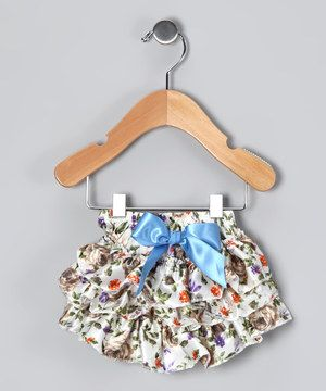 Loaded with a ton of playful ruffles, this diaper cover makes everything from snack time to nap time a whole lot fancier. Perfect under dresses and skirts, this sweet piece has a stretchy elastic waistband for optimal comfort.