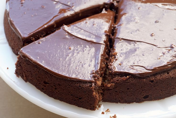 Reine de Saba is such a rich, delicious, chocolate-y cake! If you are a chocolate lover, this one is a must-bake!