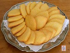 """Offelle, biscotti tipici di Parona, dalla ricetta segreta. Le offelle sono biscotti di pasta frolla, molto buoni, questa è una versione """"intuitiva""""."""