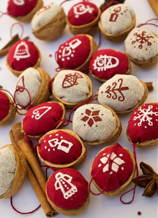 Vianočné oriešky maľované by melia - SAShE.sk - Handmade Vianoce