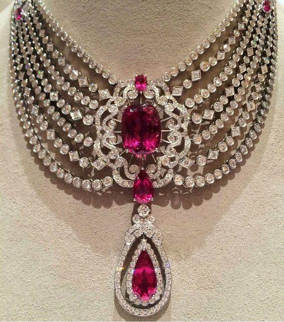 Garrard London - Diamond and ruby necklace