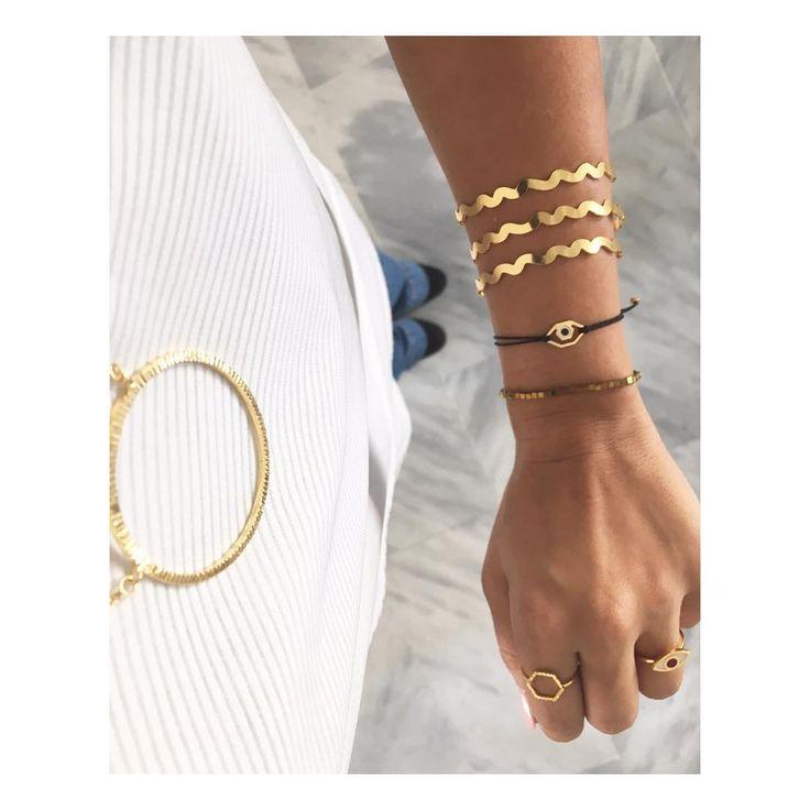 Welcome to the #bangle! #mylifelikes #banglejewelry #charmbracelets #charmfie #ootdshare #ootd#stylegram #greekdesigners #goldbracelet