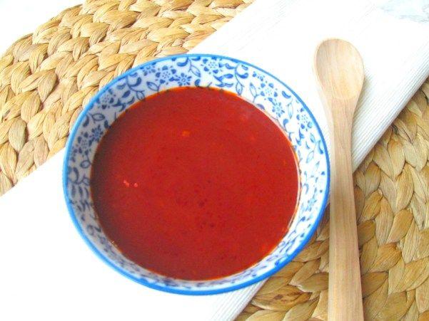 Zoetzure saus maken zonder pakjes en zakjes! Met slechts 5 ingrediënten die je waarschijnlijk al in huis hebt! - Easy sweet and sour saus for noodles!