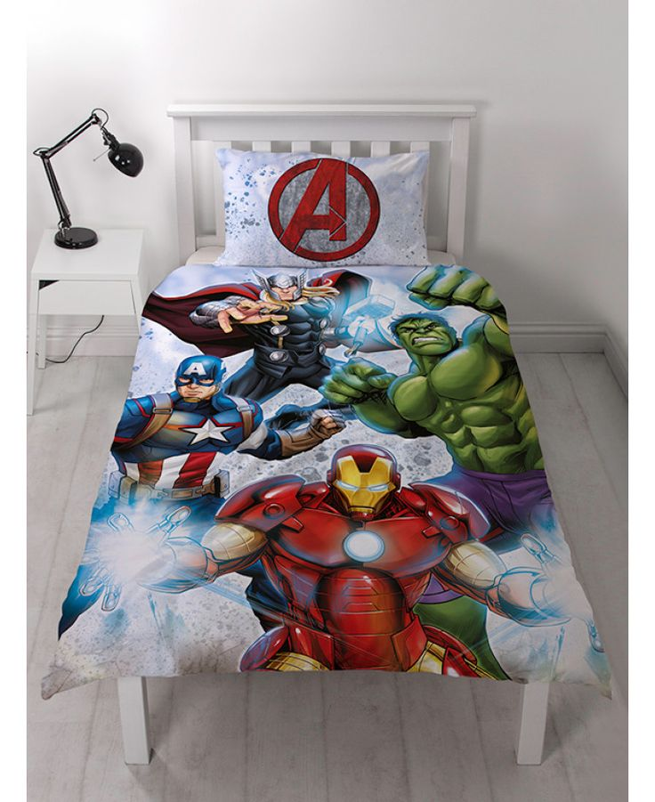 This cool Marvel Avengers Strike Single Duvet Cover and Pillowcase Set features The Hulk, Captain America, Iron Man and Thor. Free UK delivery available.