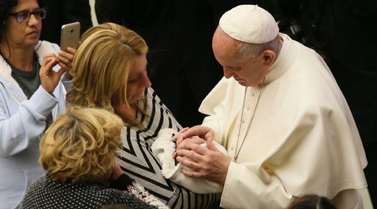 El Papa Francisco hizo un especial pedido a las madres solteras, y también a los padres solteros, en la entrevista que concedió al canal El Sembrador – ESNE, que ha sido difundida este domingo 29 de enero y que fue grabada el pasado 22 de noviembre de 2016.