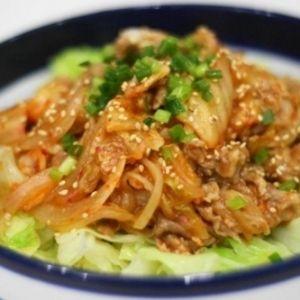 レンジで作るヘルシー豚キムチ+by+ryoripapaさん+|+レシピブログ+-+料理ブログのレシピ満載! +疲労回復に効果があるビタミンB1を豊富に含む豚肉と栄養満点の発酵食品であるキムチ。この2つを組み合わせた豚キムチは、夏バテ防止に欠かすことのできないレシピのひとつ!!とはいえ、こってり系おかずである...