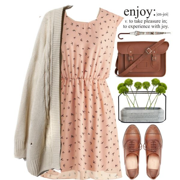I love this!!!! Cute little summer dress! and then add a cardigan for those nights getting closer to fall!
