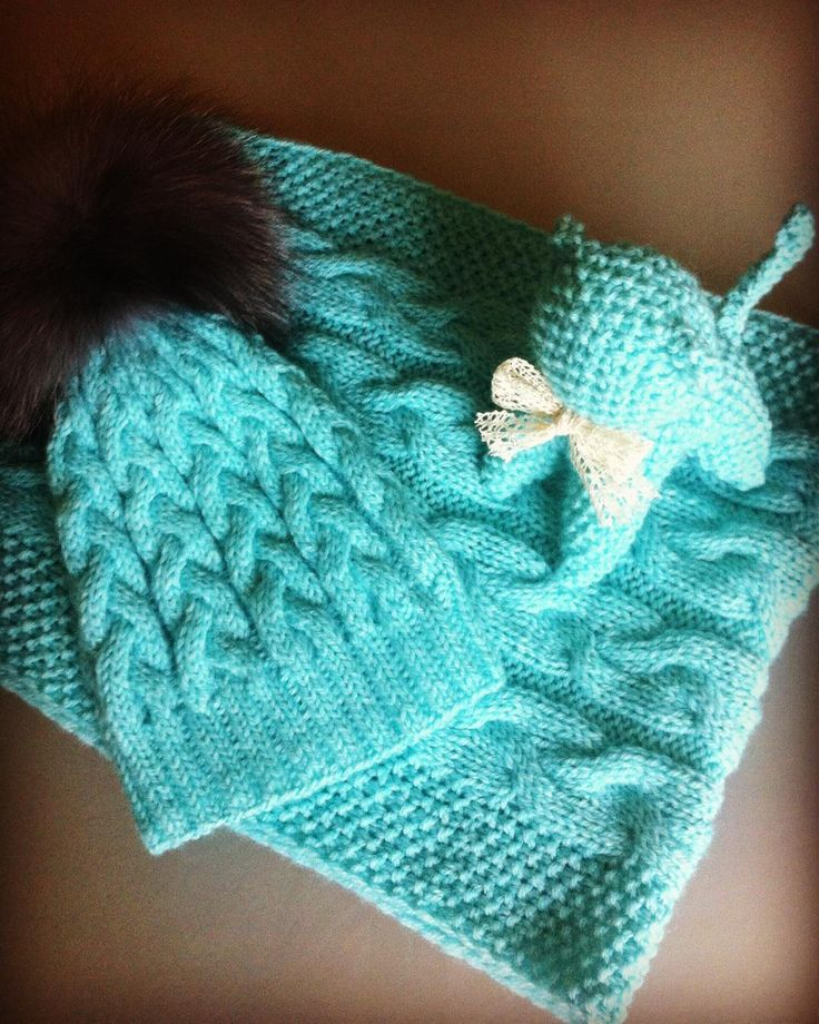 #handmade#вязание_на_заказ#knittersofinstagram#knitwear#knitting#вязаныешапки#шапкаспицами#шапкаскосами#шапкаспомпонами#своимируками#снудспицами#Ручнаяработа#вязаниенаспицах#вязаныйкомплект#