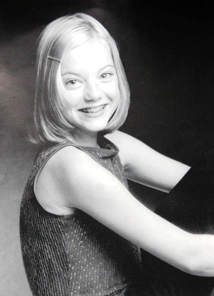 Emily Stone - headshot, 2004.  Stone and her mother would move to Los Angeles and would begin auditioning for Disney and Nickelodeon kids shows.