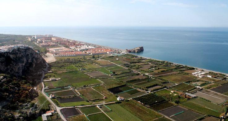 SALOBREÑA.El Ministerio de Agricultura y Pesca, Alimentación y Medio Ambiente presentó ayer la Estrategia para la Protección de la Costa de Granada y contra su erosión.