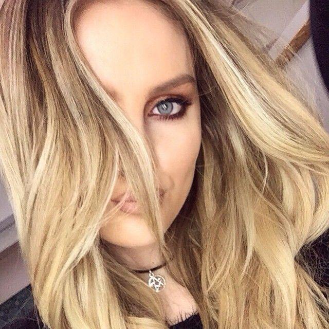 @perrieeele lookin' good and feeling gorgeous  #charlottetilbury Dolce Vita palette, #mac Costa Riche kohl pencil, #barrym Blink Precision eyeliner, #barrym Showgirl mascara, #houseoflashes Siren lash  #mac Stripdown + #lordandberry Bare lip pencils