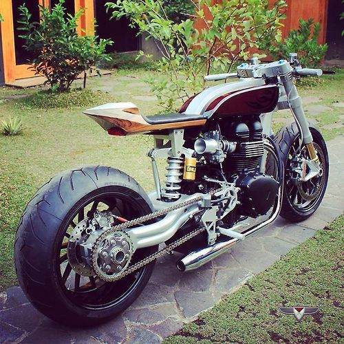 Triumph brutale Cafe Racer #motorcycles #caferacer #motos | caferacerpasion.com