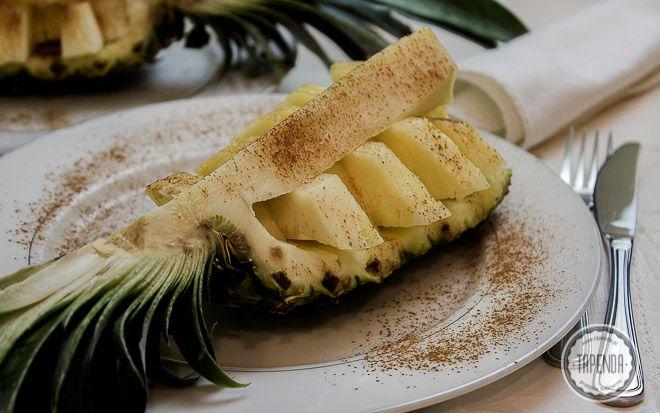 Ananas z brandy i cynamonem - przepis - Tapenda.pl