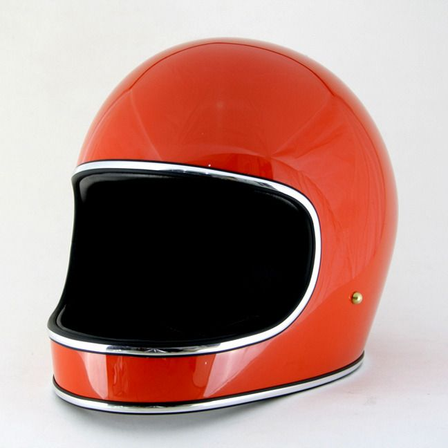 At last, a full face helmet that looks great and is comfortable to wear. These are a collaboration between Dan Collins and TT